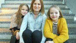 Rakastettu lastenkirjasarja palaa valkokankaille uusien kasvojen voimin. Lenka Hellstedt (keskellä) sai ohjattavakseen Matilda Pirttikankaan (vas.) ja Emelia Levyn.