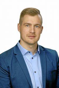 Lauri Nikula toivoo Oulun kaupungilta tekoja tietoverkkoyhteyksien rakentamiseksi.( Kuva: Reijo Koirikivi, Studio P.S.V.)