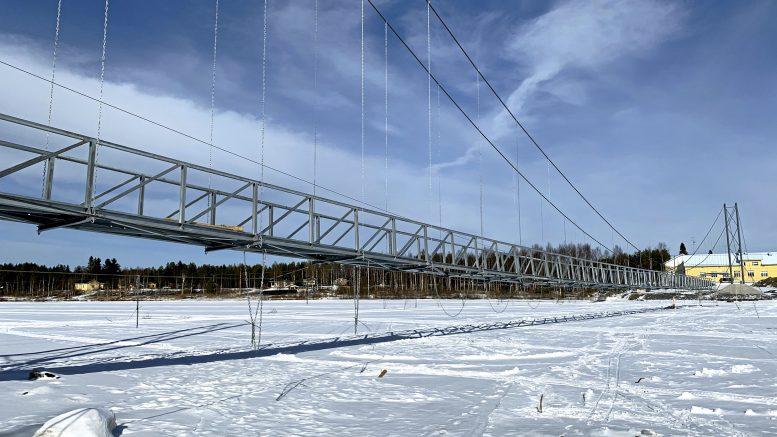 Jakkukylän riippusillan rakentaminen aloitettiin marraskuussa.