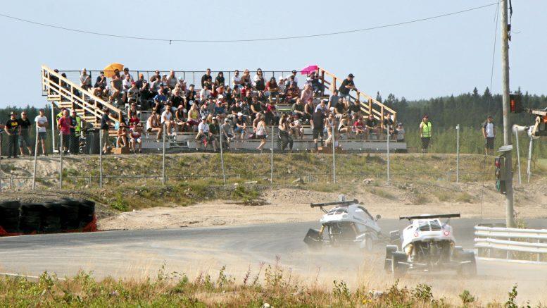Aurinkoinen ja helteinen sää helli Power Race -vieraita lauantaina OuluZonessa.