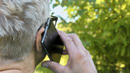 Jos puhelut pätkivät tai matkapuhelinverkon kuuluvuudessa on muita ongelmia, kannattaa ensiksi olla yhteydessä omaan operaattoriin.