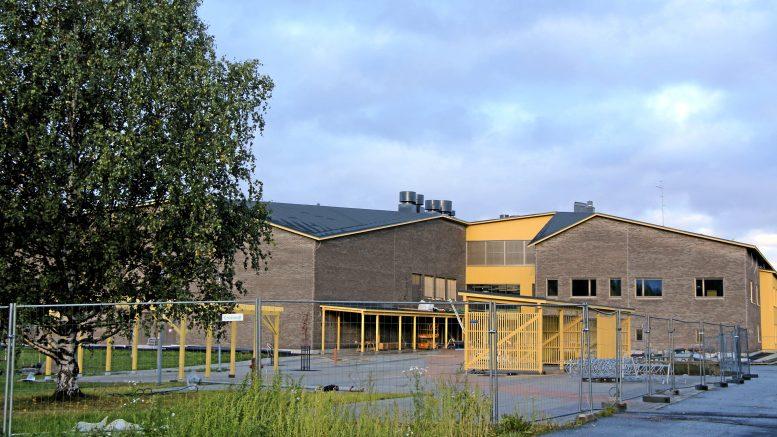 Jokirannan koulun valmistuminen on jo lähellä. Kohde on valmistumassa aikataulussaan joulukuussa. (Kuva: Teea Tunturi)