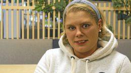 Jääkiekkoilija Kristiina Meriläinen haluaisi tulevaisuudessa myös itse valmentaa nuoria jääkiekkoilijoita.