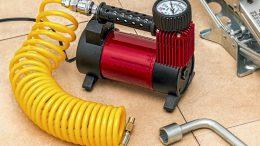 Talvirenkaiden ilmanpaine on syytä tarkistaa, jos renkaat vaihdettiin alle suvikelillä.