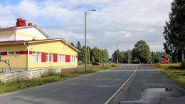 Vajaan tuhannen asukkaan Pohjois-Iissä toimii vajaan sadan oppilaan koulu, jonka kanssa kyläyhdistys tekee monenlaista yhteistyötä.