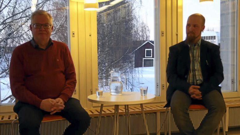 SDP:n kunnallisjärjestön puheenjohtaja Risto Säkkinen ja perussuomalaisten kunnallisjärjestön puheenjohtaja Petri Hyvönen olivat vaalilähetyksessä torstaina. KUVA: Kuvankaappaus livelähetyksestä