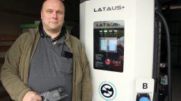 Jääliläisen Erkki Pulkkisen sähköautojen Lataus+-pikalaturit tulevat katukuvaan Suomessa kesäkuun aikana. (Kuva: Teea Tunturi)