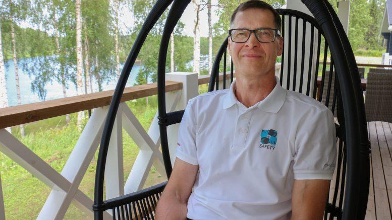 Tänään 60 vuotta täyttävä Jarmo Alasiurua on palannut asumaan Iijokivarteen, josta hän on kerännyt perinnetietoa jo vuosia.