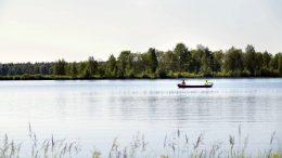 Oijärven vetouistelukilpailuun osallistui tänä vuonna 37 venekuntaa.