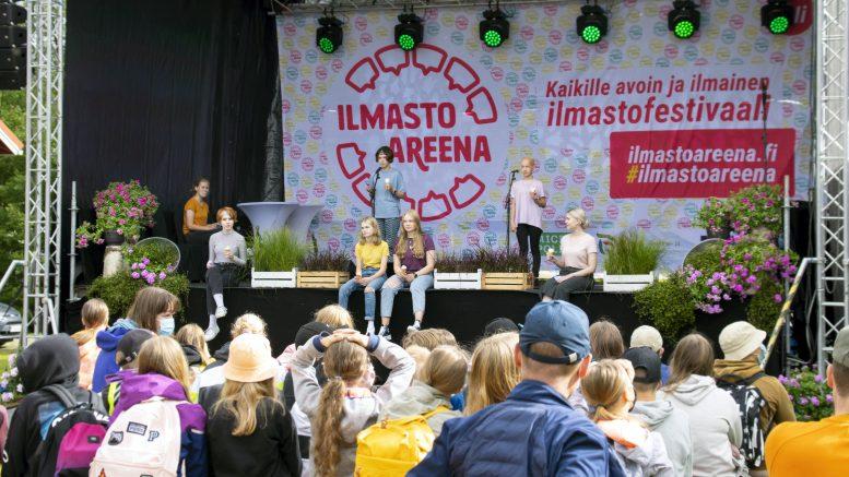 Ilmastoareenan avasi puoliltapäivin perjantaina virallisesti Iin ja Mikkelin nuorten koskettava Sweet Dreams -yhteisesitys, jossa nuoret kertoivat omista haaveistaan tulevaisuuden ja maapallomme suhteen.