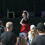 Oulu Dance Academyn balettinäytös kiinnosti kaiken ikäistä yleisöä. Näytökseen oli koottu lyhyitä näytteitä eri klassikkobaleteista.