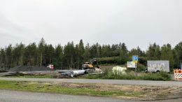 Hakomäen koira-aitauksen piti valmistua heinäkuun aikana. Rakennustyöt ovat kuitenkin vielä kesken.